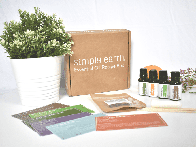Simply Earth March 2020 Recipe Box Review - Improve Mood with Essential Oils